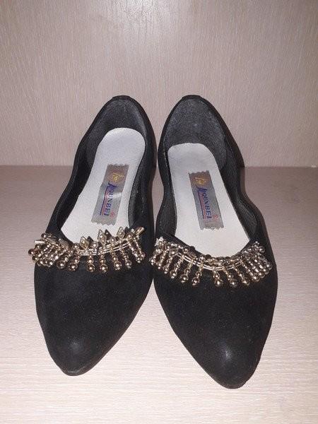 Изумительно красивые туфли на низком ходу стелька 24.5 фото №1