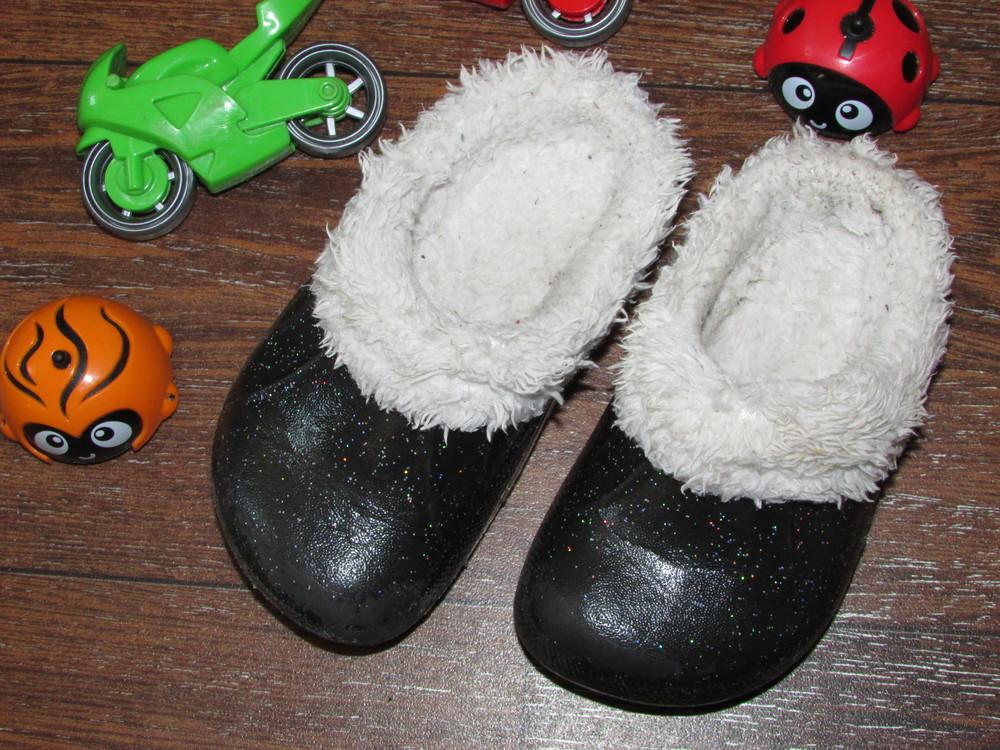 Детские теплые тапочки 23 р-ра с мехом для самых маленьких. чтобы не мерзли ножки. очень классные. фото №1