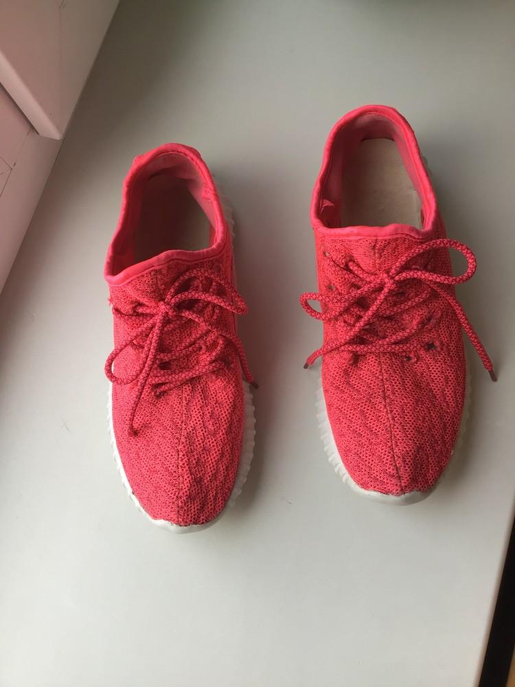 Яркие розовые кроссовки на девочку фото №2